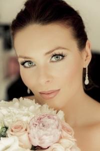 Such a stunning bride
